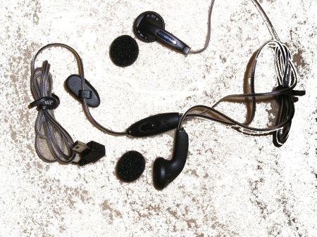 3skypephone headphones pic 1