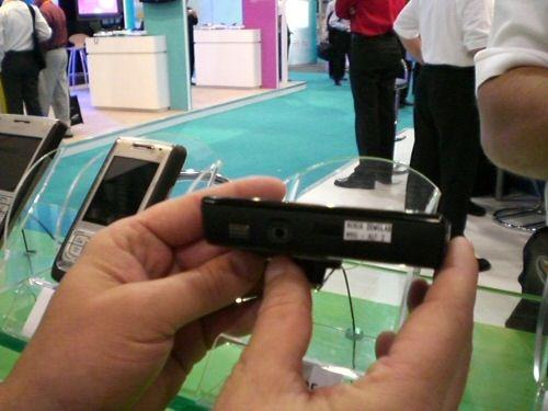 Nokia N95 8GB side view 2
