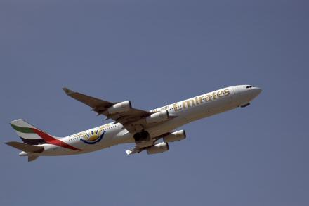 Emirates Airbus A340 flight allows first in-flight cell phone
