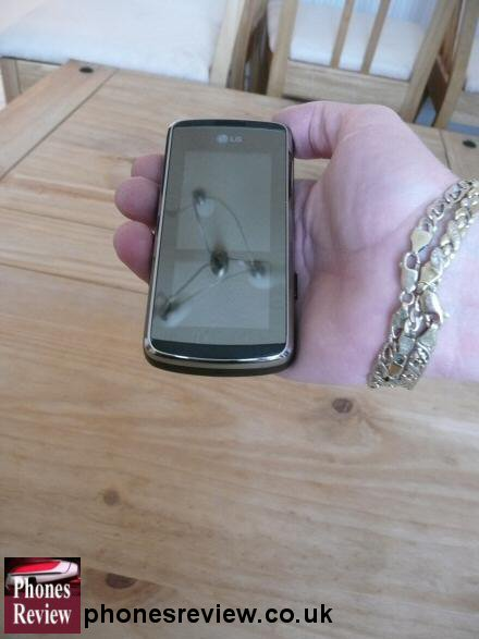 lg kf600 in the hand closed