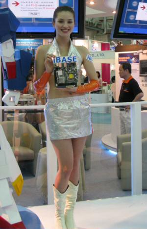 computex sexy babes pic 32