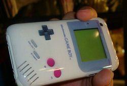 Apple iPhone 3G gains Nintendo Game Boy case in Japan
