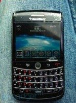 BlackBerry Onyx Prototype gets itself pictured in the wild