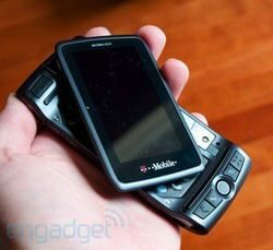 T-Mobile Sidekick LX 2009 receives in-depth review
