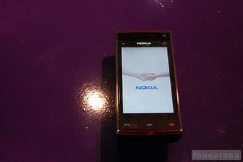 Nokia X6 gets Pictured