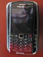 BlackBerry Pearl 3G Unboxed and Handled on Video