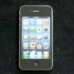 iPhone 4 Gets Reviewed on Video