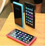 Nokia N9 Running Angry Birds: Video