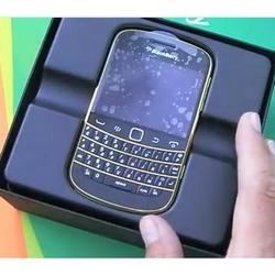 BlackBerry Bold 9900 gold limited edition video