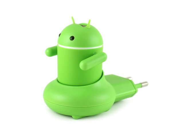 Andru Android Robot USB Phone Travel Charger is a neat idea pic 3