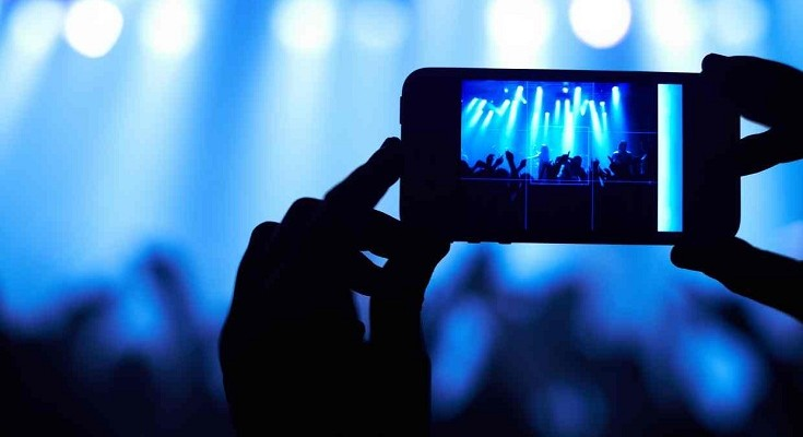 Apple Just Patented a Technology That Will Disable iPhone's Camera at Live Events