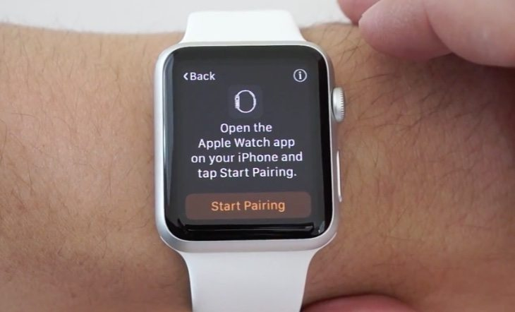 Apple Watch setting up b