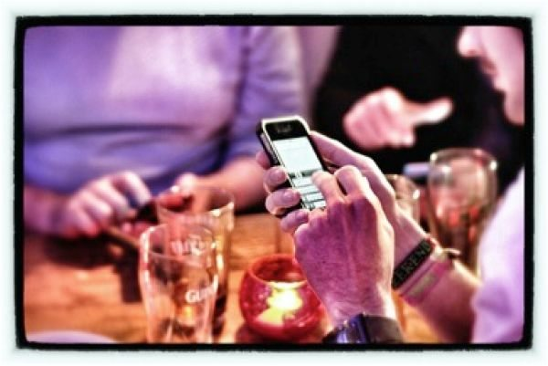 iPhone apps to help impress everyone at the pub