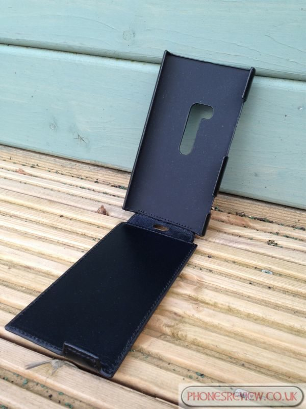 Chance to win a Nokia Lumia 920 Issentiel leather case pic 4