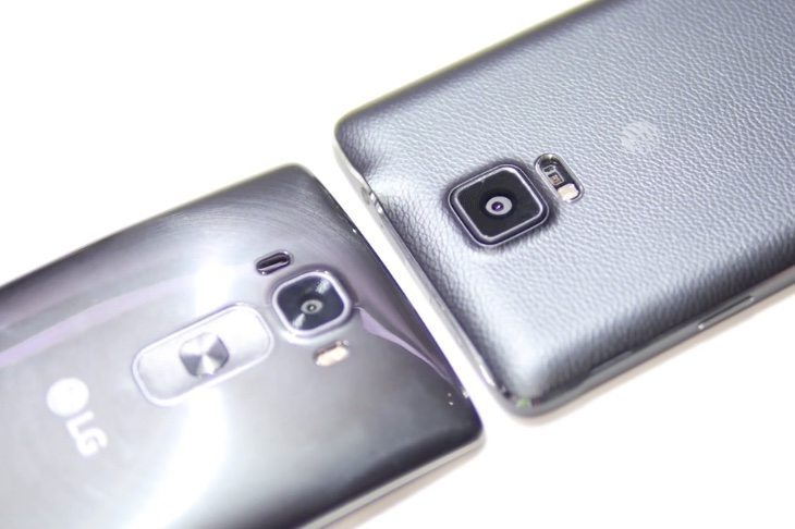 Galaxy Note 4 vs LG G Flex 2 b