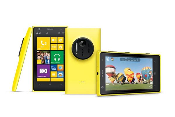 Nokia Lumia 1020 vs Galaxy S4 vs HTC One compared
