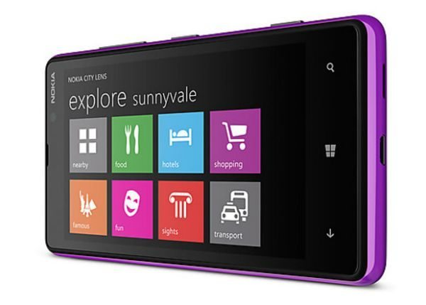 Nokia Lumia 820 vs Samsung Ativ S, comparing the specs