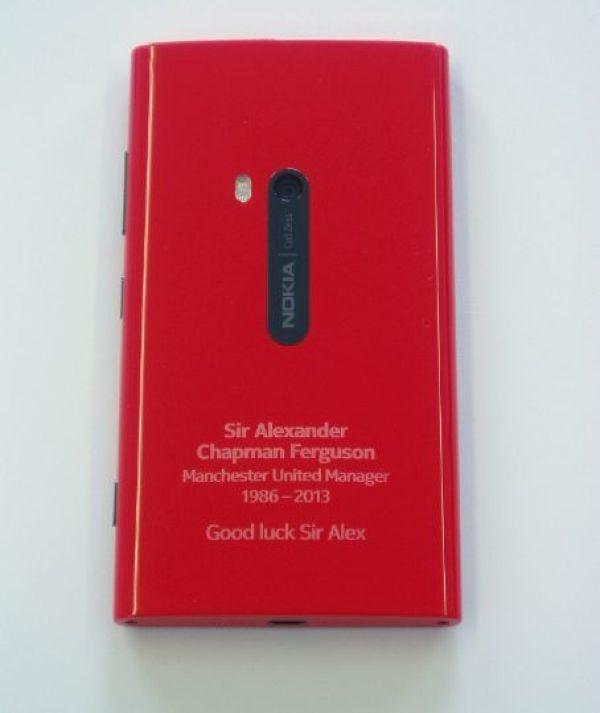 Nokia Lumia 920 Alex Ferguson Manchester Utd edition beauty pic 1