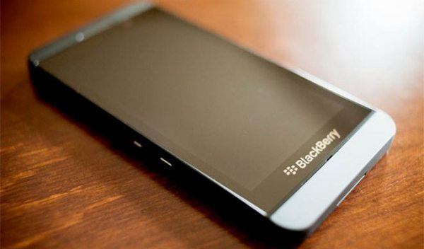 Rogers BlackBerry Z30 denied for Q10, Z10