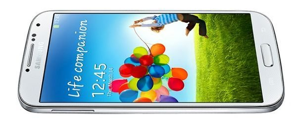 Samsung Galaxy Note 3 design mimics S4 burdens response