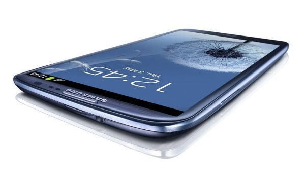 Samsung Galaxy S3 beats iPhone 5 & wins Smartphone award at MWC 2013