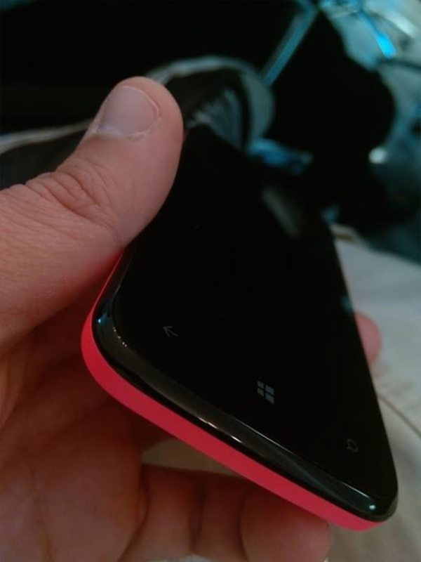 Unnamed BLU Windows Phone handset teased