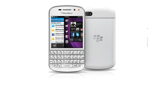 Vodafone BlackBerry Q10 pre-orders begin in black or white