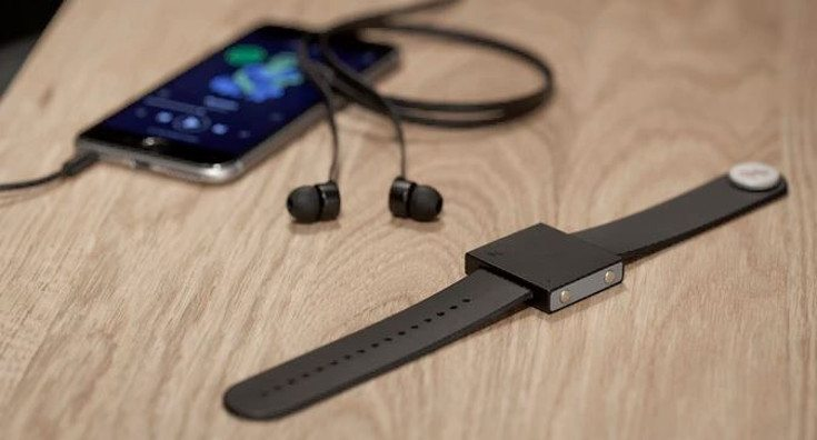 The Basslet Band puts a Subwoofer on your wrist
