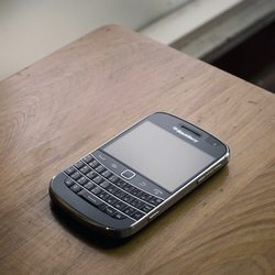 US BlackBerry market share almost vanishes