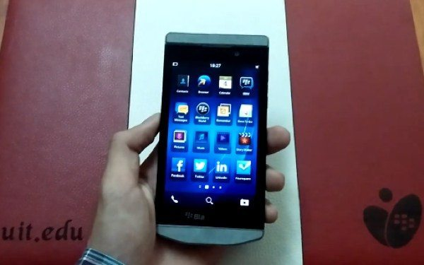 BlackBerry Porsche Design P'9982 Z10 hands-on video look