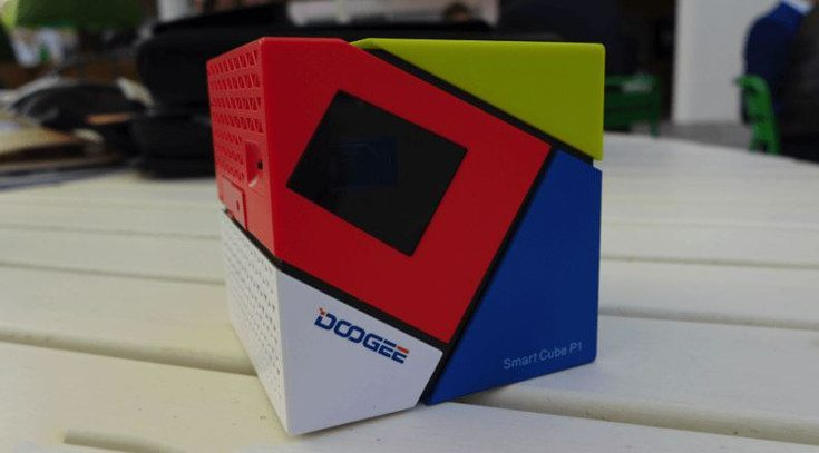 Doogee Smart Cube Projector