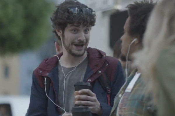 Funny Samsung Galaxy S3 commercial loves iPhone 5