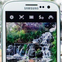 Samsung Galaxy S3 vs iPhone 5 in Camera Shootout