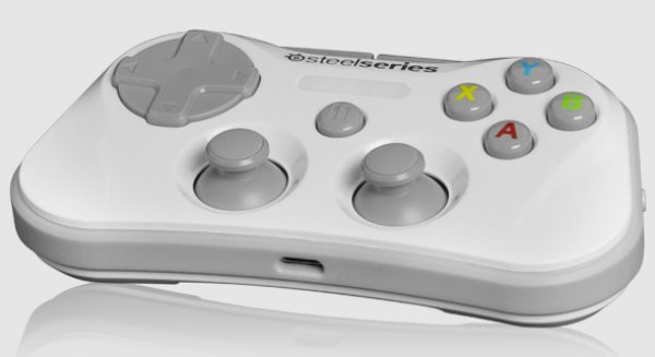 iOS 7 SteelSeries Stratus controller for the hardcore gamer