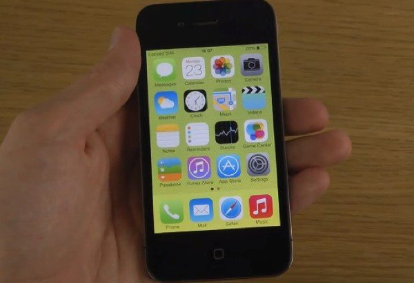 iphone 4 ios 7 ios 7 on iphone 4 rubbished in phonesreviews uk 14385