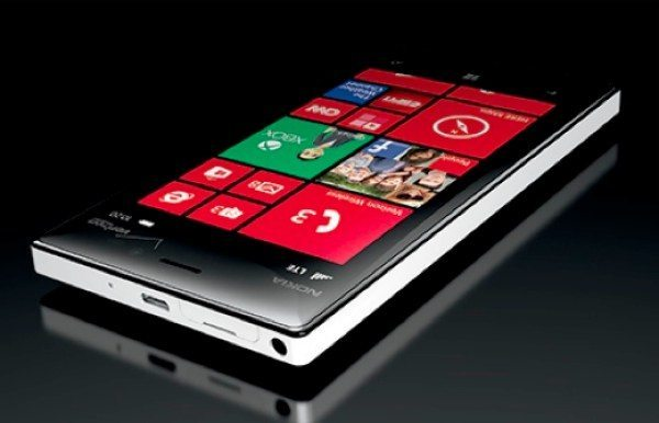 nokia-lumia-928-verizon-vs-lumia-920-att